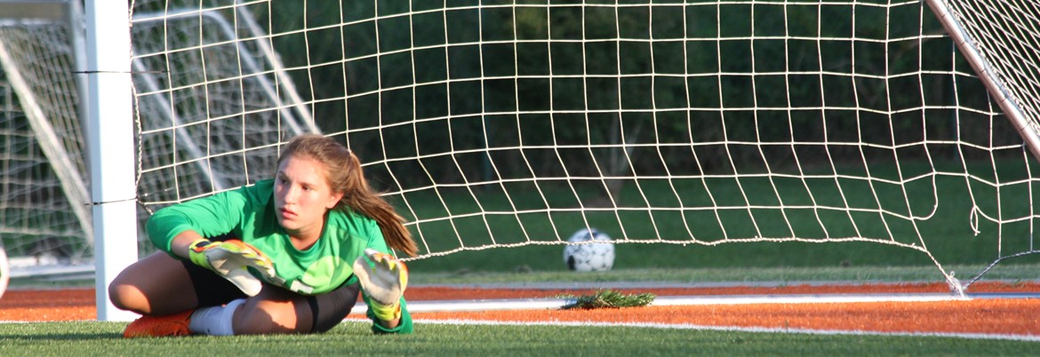 LC ladies' soccer goalie