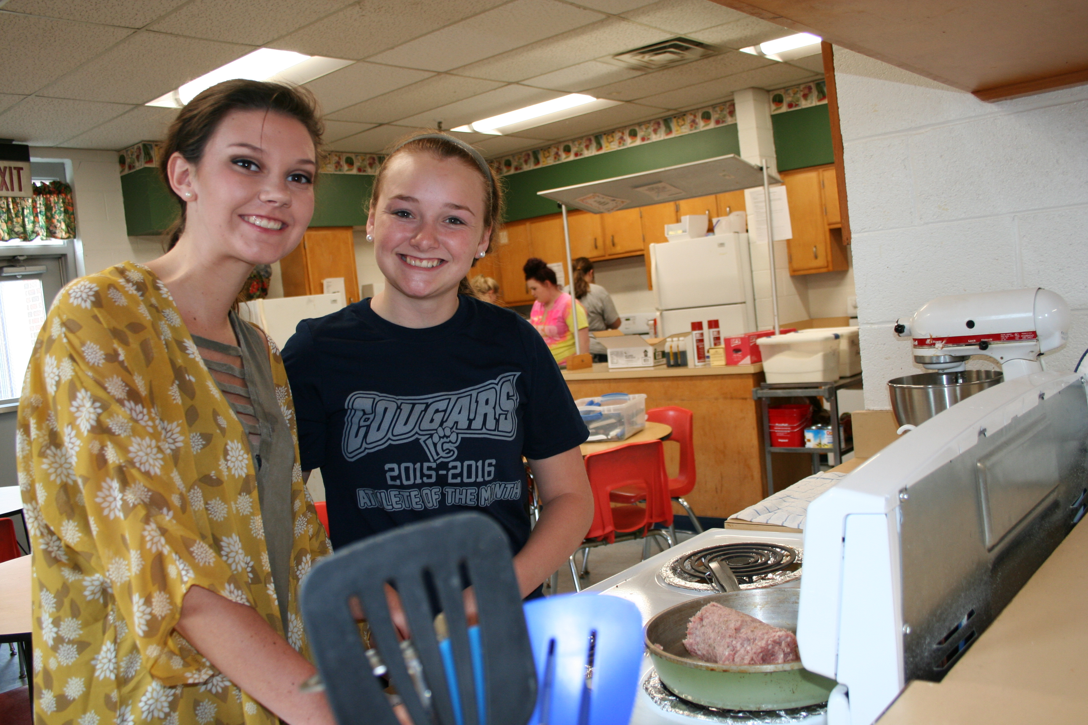 """Famished"" students preparing meals"