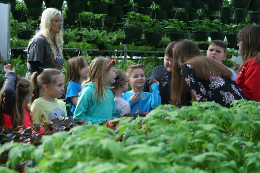 LC-FFA students host field trip for Olmstead Elementary 1st Grade